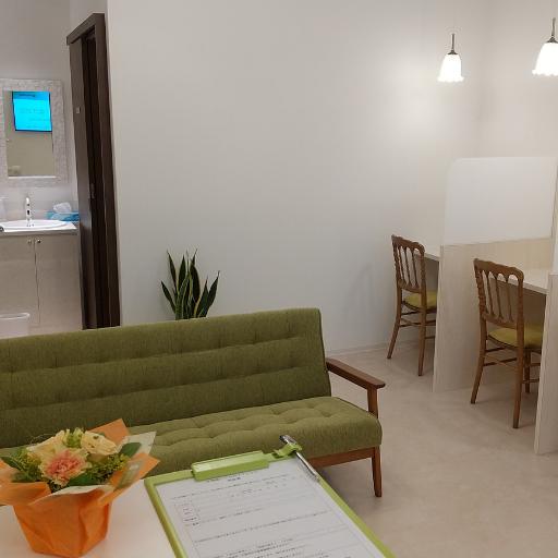 waitingroom2.512-512